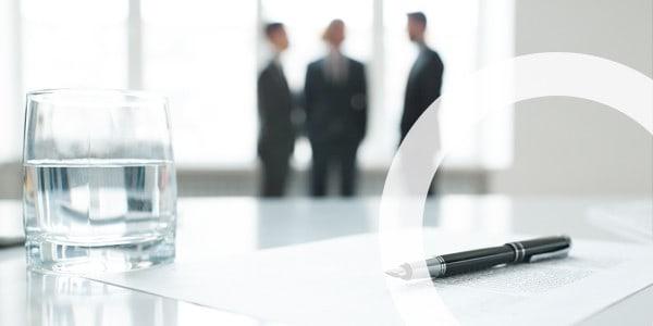 Wolfer UTS GmbH | Consulting Gespräch Bau- und Immobilienbranche